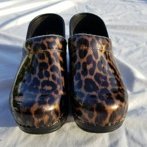 Dansko Leopard Nurse Shoes Clogs 37
